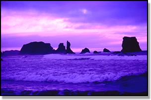Lovely image of a sunset on the Oregon coastline.